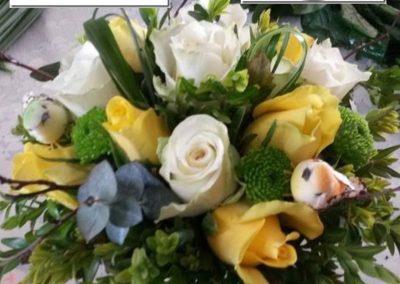 59-835-een-mooi-bloemstuk-maken-onder-leiding-van-karin's-bloemen-en-decoshop